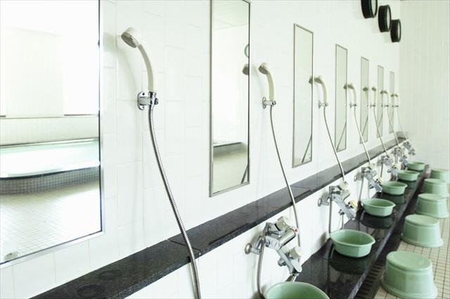 ガラス、鏡、ポリカーボネイト