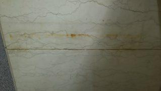 壁面大理石もらいサビ汚れ除去